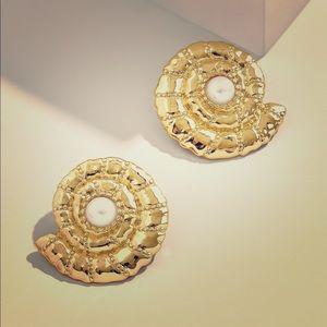 Baublebar Thasos Seashell Pearl Stud Earrings